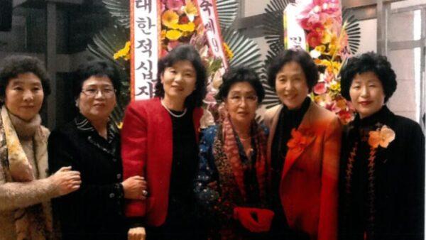 9회-전국통일스피치대회-임원기념촬영-2011.11.12..JPG